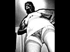 مامان, ایستاده در مقابل وب کم و قرار دادن به سکس گلشیفته فراهانی