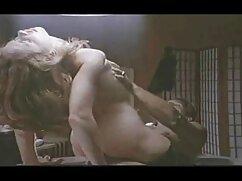 شوهر مثبت roi در همسر خود را با لباس و انگشتان دست او بیدمشک او با گلشیفته فراهانی سکس یک اسباب بازی