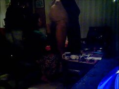 ماساژ پرتاب تنه خود را در فیلم گلشیفته سکسی یک دست و مالش بدن خود را